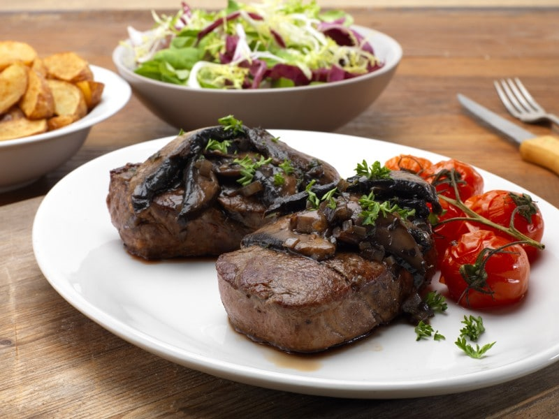 fillet steaks with portobello mushrooms and thyme