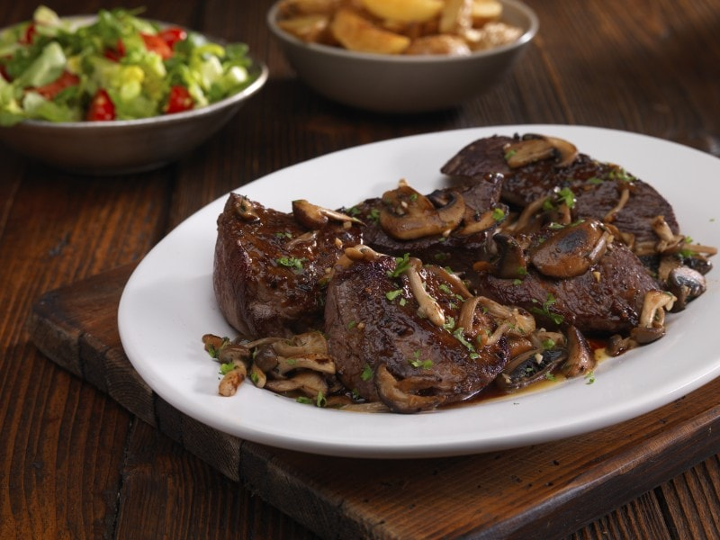 venison steaks with mushrooms