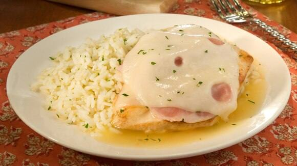 Skillet Chicken Cordon Bleu