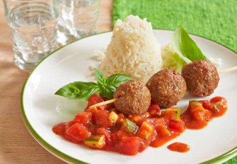 Knorr - Hackbällchen-Spieß auf Tomatensugo