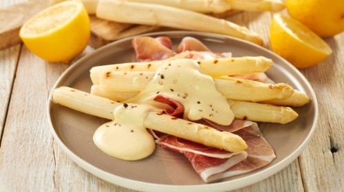 Knorr - Gegrillter Spargel mit geräuchertem Schinken