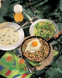 Knorr - Spätzlepfandl mit Selchfleisch und Spiegelei