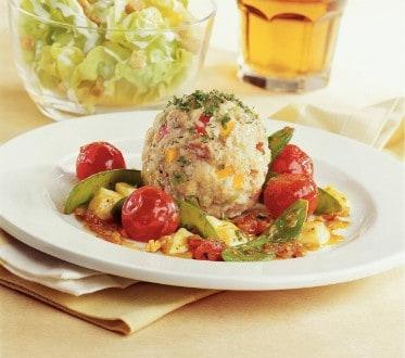 Knorr - Gemüseknöderl auf Tomaten-Mozzarella mit Erbsenschoten
