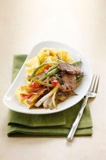 Knorr - Rinderfilets mit Fisolen und Tomatenwürfeln