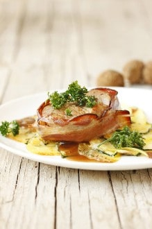 Knorr - Kalbsmedaillons auf Kartoffel-Zucchini-Gratin