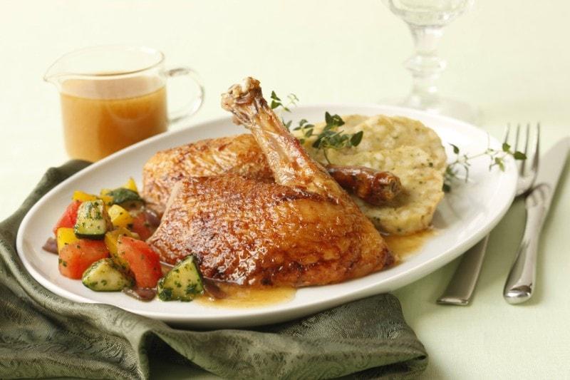 Knorr - Ente mit Kräuter-Semmelfüllung und mediterranem Gemüse