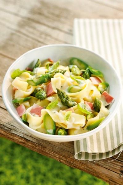 Knorr - Pasta mit Grünspargel-Carbonara Sauce