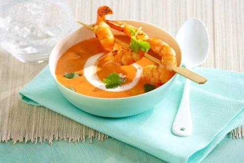 Knorr - Tomaten-Kokossuppe mit Scampispieß