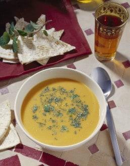 Knorr - Rote Linsensuppe mit Karotten und Minze