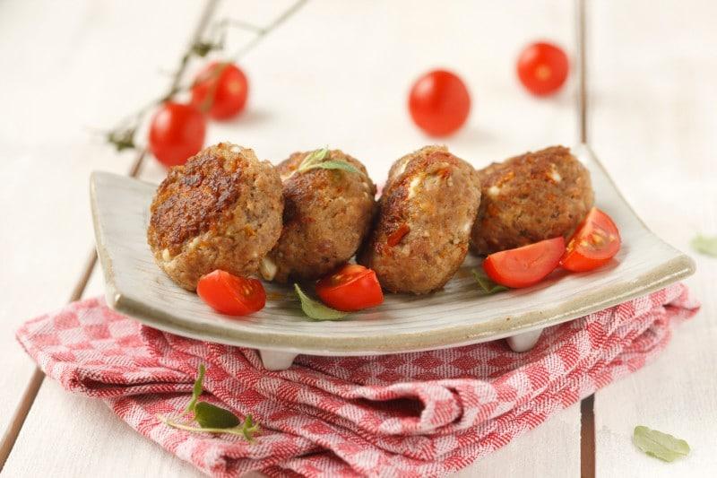 Knorr - Faschierte Laibchen Griechischer Art mit Feta und getrockneten Tomaten