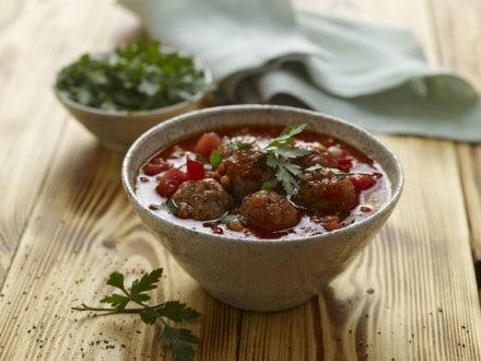 Knorr - Tomaten-Linsen-Suppe mit würzigen Fleischbällchen