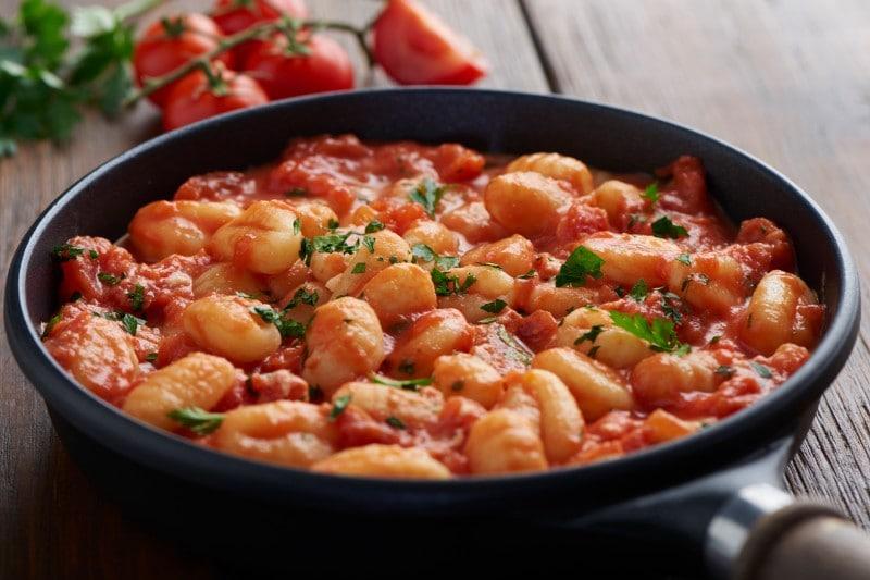 Knorr - Gnocchi mit Tomaten, Ricotta und Bolognese
