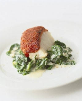 Knorr - Seelachsfilet mit Tomatenkruste auf Spinat