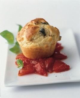 Knorr - Feta-Oliven-Muffins mit Tomatenkompott