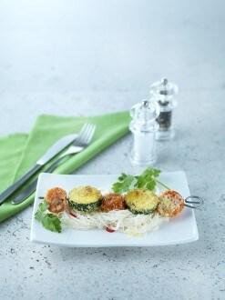 Knorr - Gemüse-Kokos-Spiessli auf Glasnudelsalat