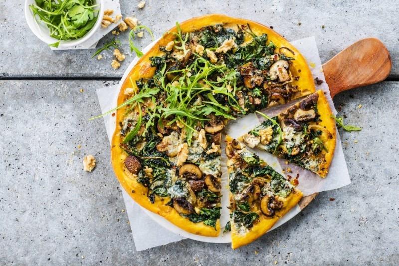 Knorr - Süßkartoffel Pizza mit Spinat und Blauschimmelkäse