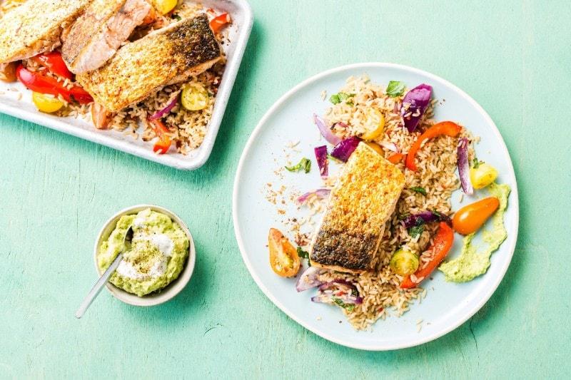 Knorr - Lachsfilet auf Gemüsereis mit Avocadocreme