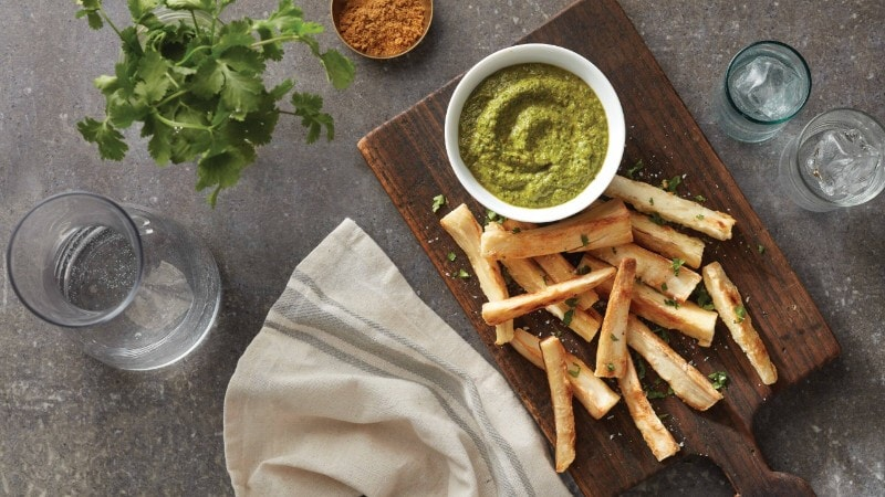 Baked Yucca Fries with Cilantro Creamy Sauce
