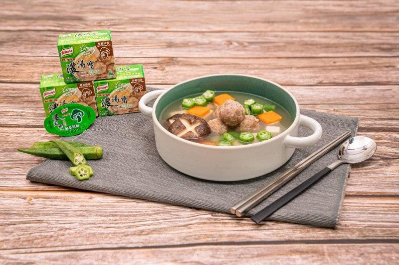秋葵豆腐肉丸鮮菇湯