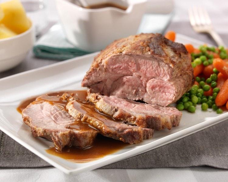 Rôti de porc au carottes et petits pois