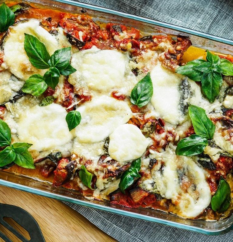 Italienischer Melanzani-Auflauf mit Mozzarella