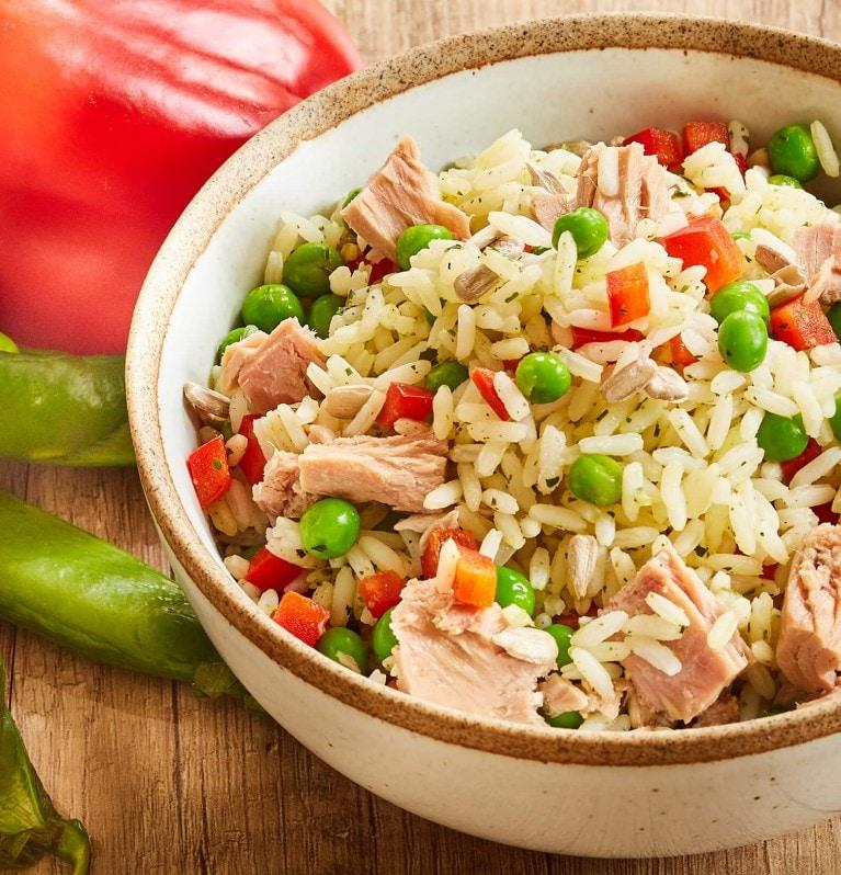 Reis, Erbsen, Paprika, Thunfisch