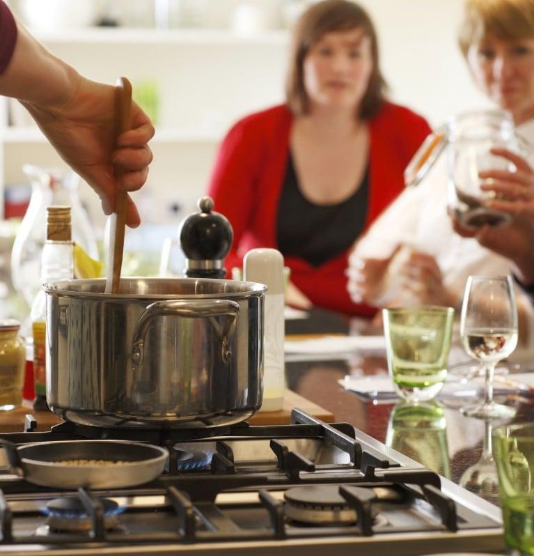 Cozinha com foco no fogão