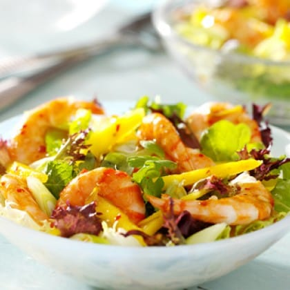 Summer recipe chilli prawns mango
