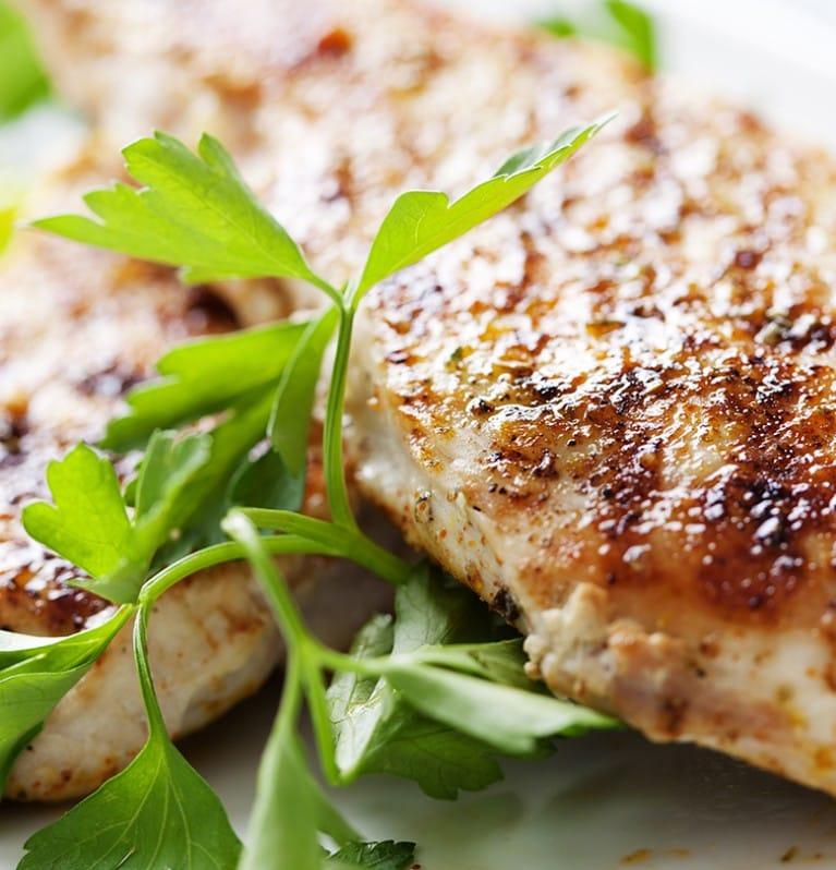 Cómo cocinar pechugas de pollo sabrosas y jugosas